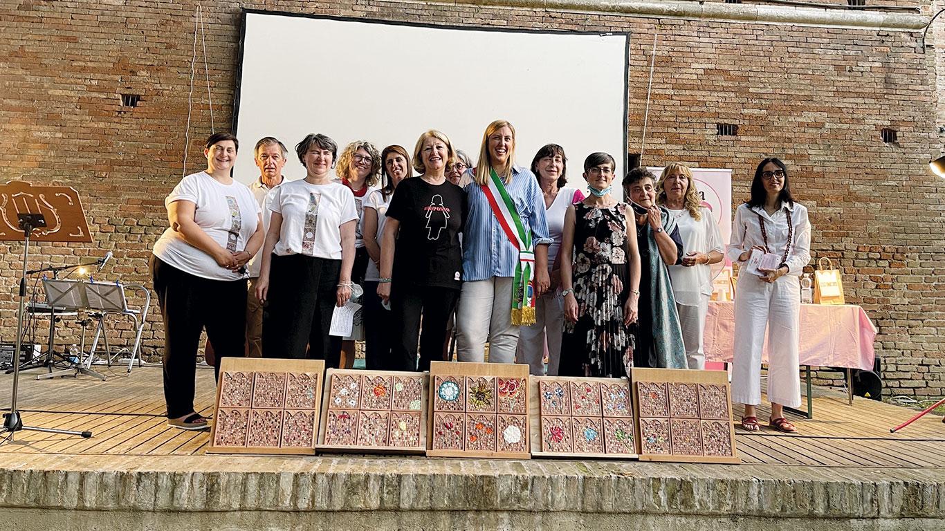 Serata 20-anni Linea Rosa Russi collaborazione con il comune